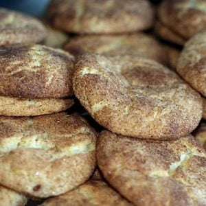 512px Pile of snickerdoodles