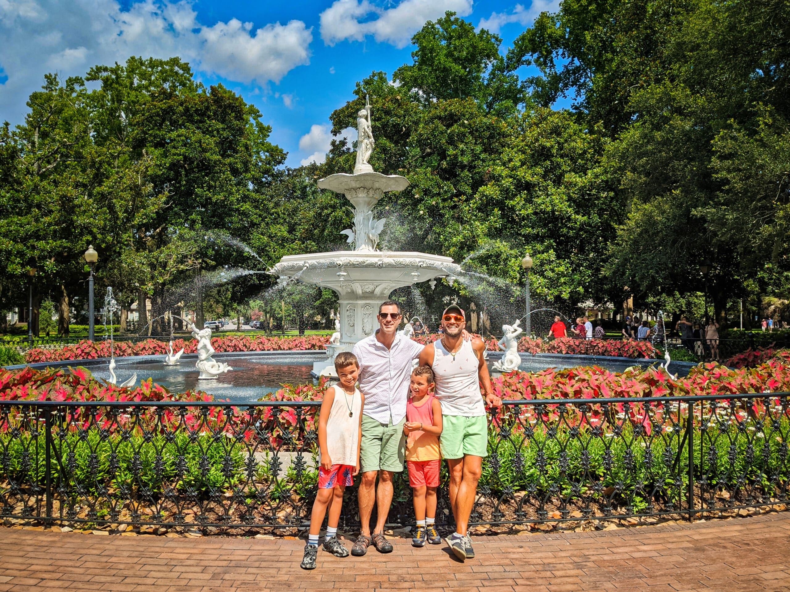 2TravelDads Full Taylor Family at White Fountain at Forsyth Park Historic District Savannah Georgia 1 scaled