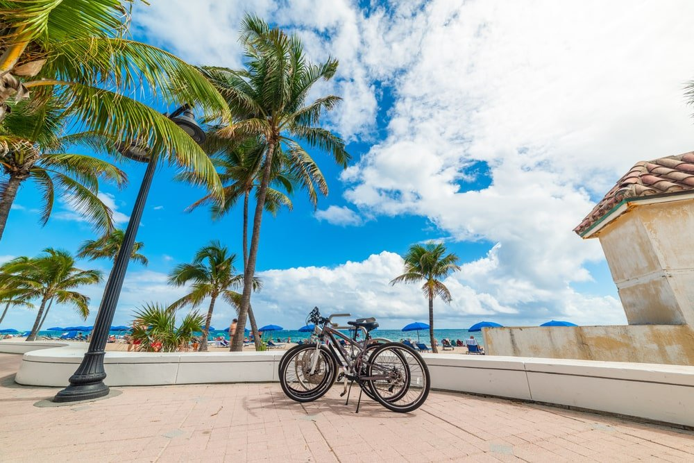Lauderdale by the Sea via Gabriele Maltinti Shutterstock